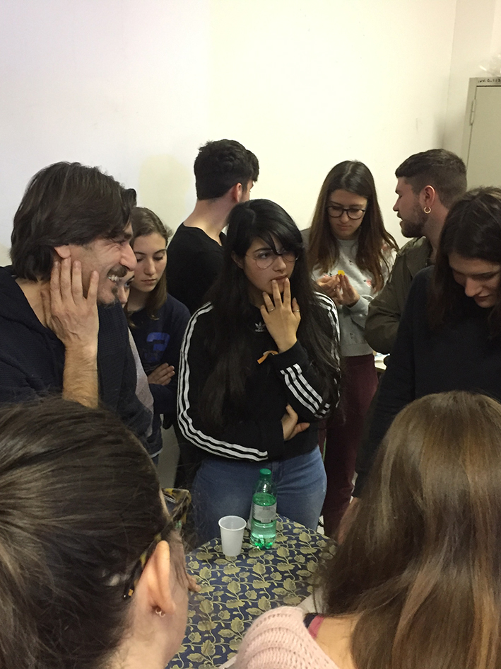 """Incontro presso il Liceo Artistico """"F. Orioli"""" di Viterbo con lo scenografo Massimiliano Sturiale"""